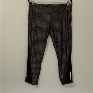 Nike Dri Fit Running Capri Black & Gray XL